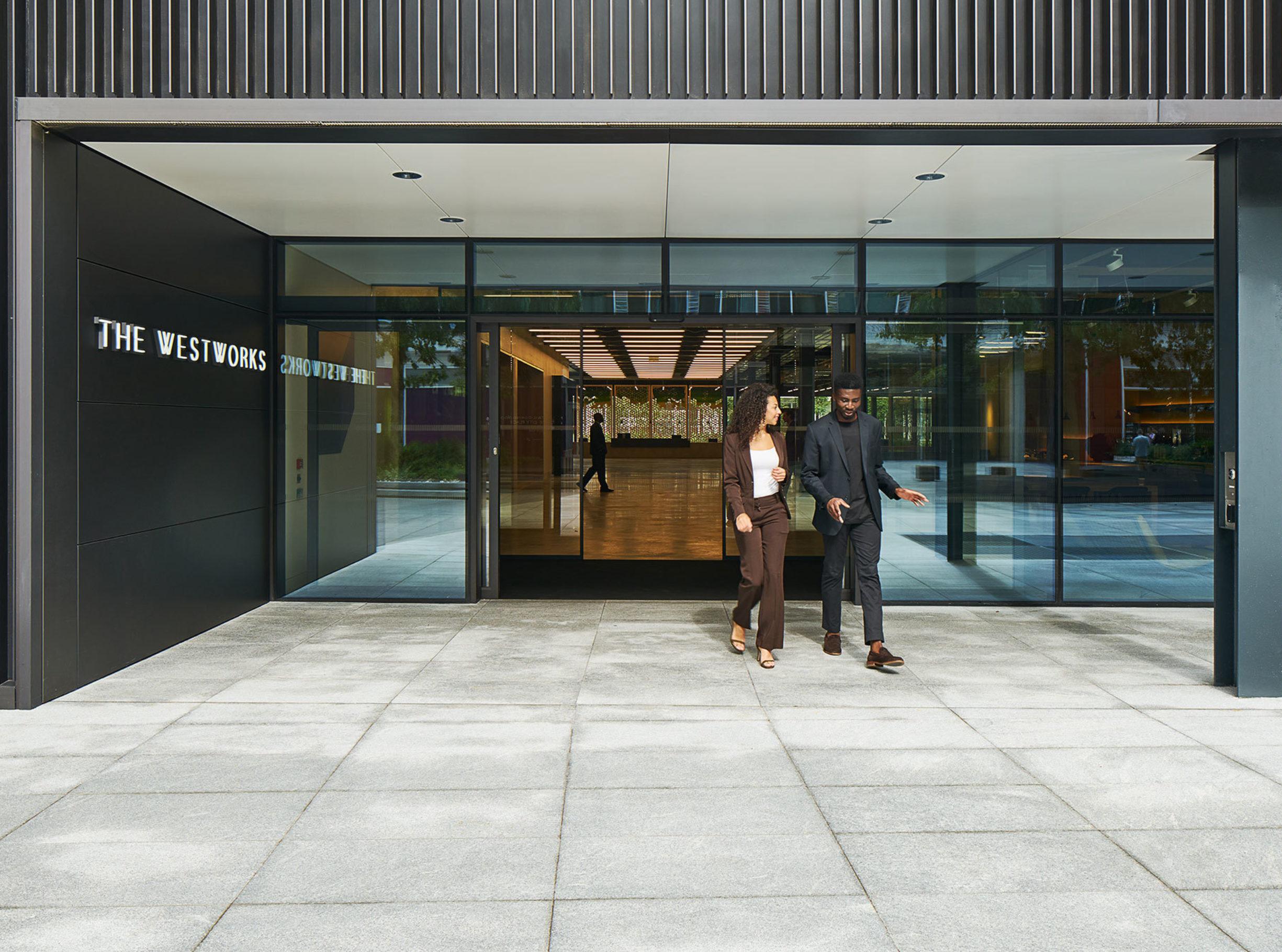 The Ww Entrance